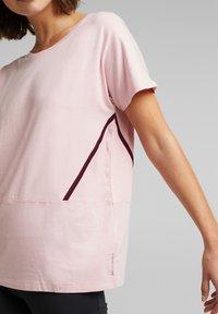 Esprit Sports - Print T-shirt - light pink - 5