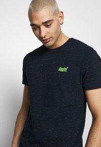 Superdry - VINTAGE CREW - Basic T-shirt - navy - 4