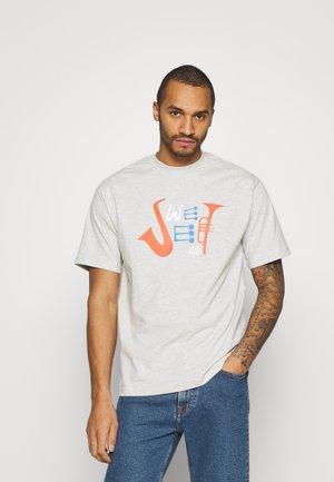 UNISEX SWEET 90S LOOSE TEE - Print T-shirt - light grey melange