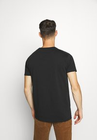 AMICCI - SIRMONE - Print T-shirt - black - 2