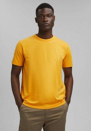MIT COOLMAX - Basic T-shirt - sunflower yellow