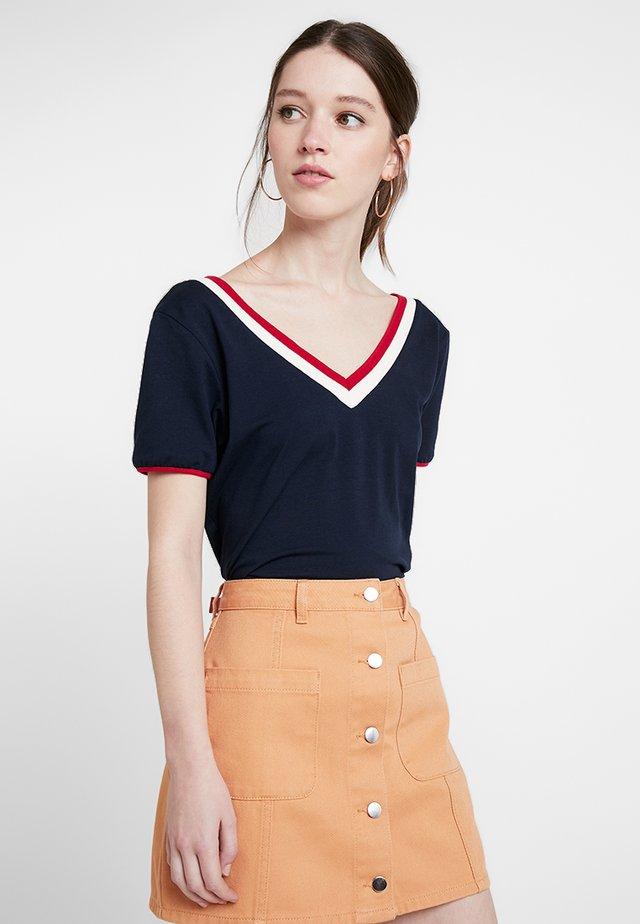FIONA - T-shirts med print - navy