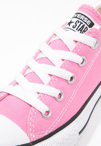 Converse - CHUCK TAYLOR ALL STAR CORE - Sneakers laag - pink - 5