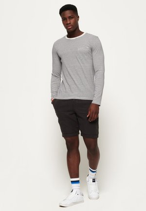 INTERNATIONAL CHINO - Shorts - black
