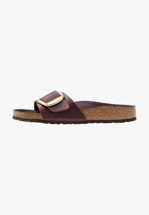 MADRID BIG BUCKLE - Slippers - zinfandel