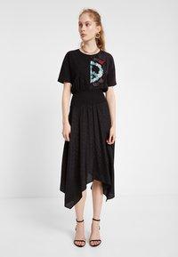 Desigual - VEST NOOSA - Korte jurk - black - 1