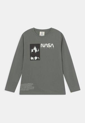 NASA - Long sleeved top - dusty green