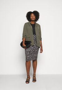 CAPSULE by Simply Be - LEOPARD PRINT MIDI TUBE SKIRT - Pencil skirt - black/grey - 1