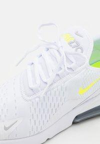 Nike Sportswear - AIR MAX 270 ESS  - Sneakersy niskie - white/volt/wolf grey/black - 5