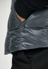 Massimo Dutti - Down jacket - dark blue - 4