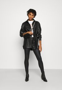 ONLY - ONLCHRISSY SKINNY COAT  - Jeans Skinny Fit - black - 1