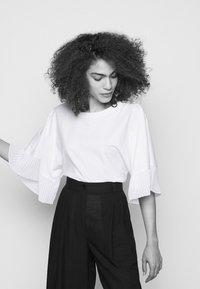 See by Chloé - Jednoduché triko - white - 3
