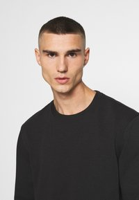 Only & Sons - ONSVINCENT CREW NECK - Bluza - solid black - 3