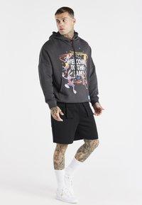 SIKSILK - SPACE JAM OVERSIZED GRAPHIC HOODIE - Sweatshirt - grey - 1