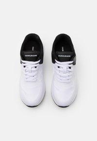 Calvin Klein Jeans - ANGIOLO - Zapatillas - white/black - 3