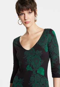 Desigual - VEST YESS - Jumper dress - green - 3