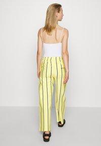 Obey Clothing - RONNY PANTS - Tracksuit bottoms - lemon multi - 2