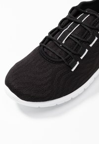 Cloudsteppers by Clarks - STEP ALLENA GO - Sneakers basse - black - 2
