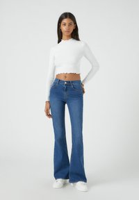 PULL&BEAR - FLARE - Jeansy Bootcut - mottled blue - 1