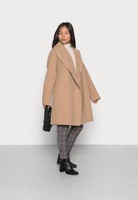 VILA PETITE - VIAPPLE NEW COAT - Classic coat - tigers eye - 1