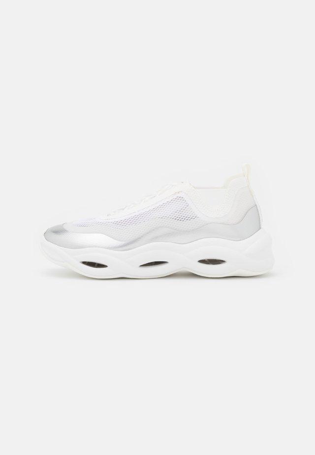 ROYAL - Sneakersy niskie - blanc