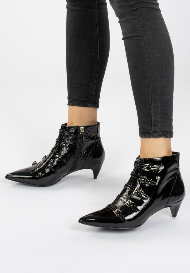 ZYDECO  - Boots à talons - black waxed