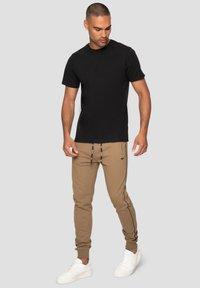 Threadbare - MORRIS - Pantalones deportivos - beige - 1