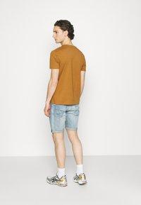 Burton Menswear London - TEE 3 PACK - T-shirt - bas - multi - 2