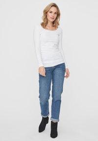 Vero Moda - 2PACK - Långärmad tröja - bright white - 0