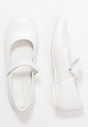 Ballerine con cinturino - bianco