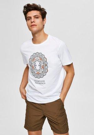 SLHCITY ONECK TEE  - T-shirt med print - bright white 1
