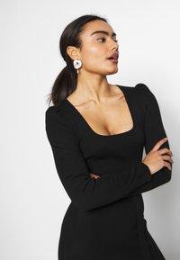 Missguided Petite - MILKMAID BELTED MIDI DRESS - Jumper dress - black - 3
