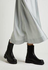 Vagabond - COSMO - Platform ankle boots - black - 0