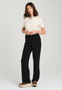 Jascha Stockholm - Pantalon classique - black - 1