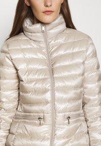 Lauren Ralph Lauren - LUST INSULATED - Down jacket - champagne - 6