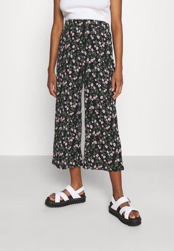ONLPELLA COLUTTE PANTS - Bukser - black