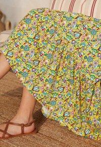 Boden - Day dress - narzissengelb/kaleidoskop blumenmuster - 2