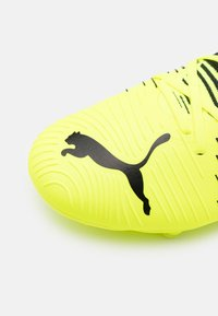 Puma - FUTURE Z 3.1 FG/AG - Moulded stud football boots - yellow alert/black/white - 5