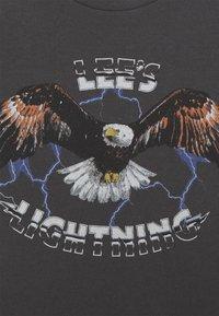 Lee - EAGLE TEE - T-shirt imprimé - washed black - 2