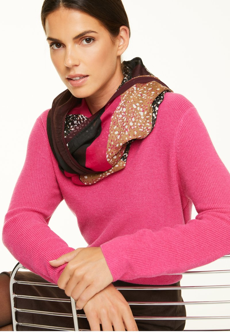 comma - Snood - black