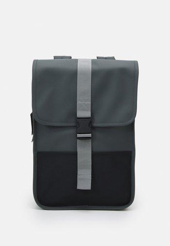 BUCKLE BACKPACK MINI - Plecak - slate