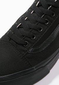 Vans - OLD SKOOL - Skateboardové boty - black - 9