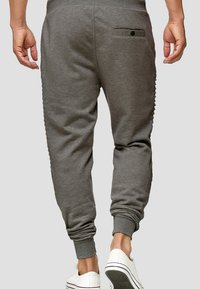 INDICODE JEANS - Tracksuit bottoms - anthracite - 1