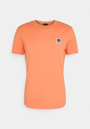 T-DIEGOS-K30 T-SHIRT - T-shirt basic - salmon