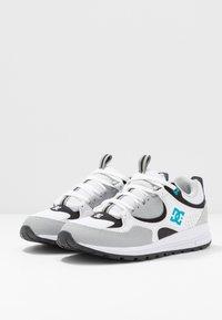 DC Shoes - KALIS LITE - Sneakers - grey/blue/white - 3