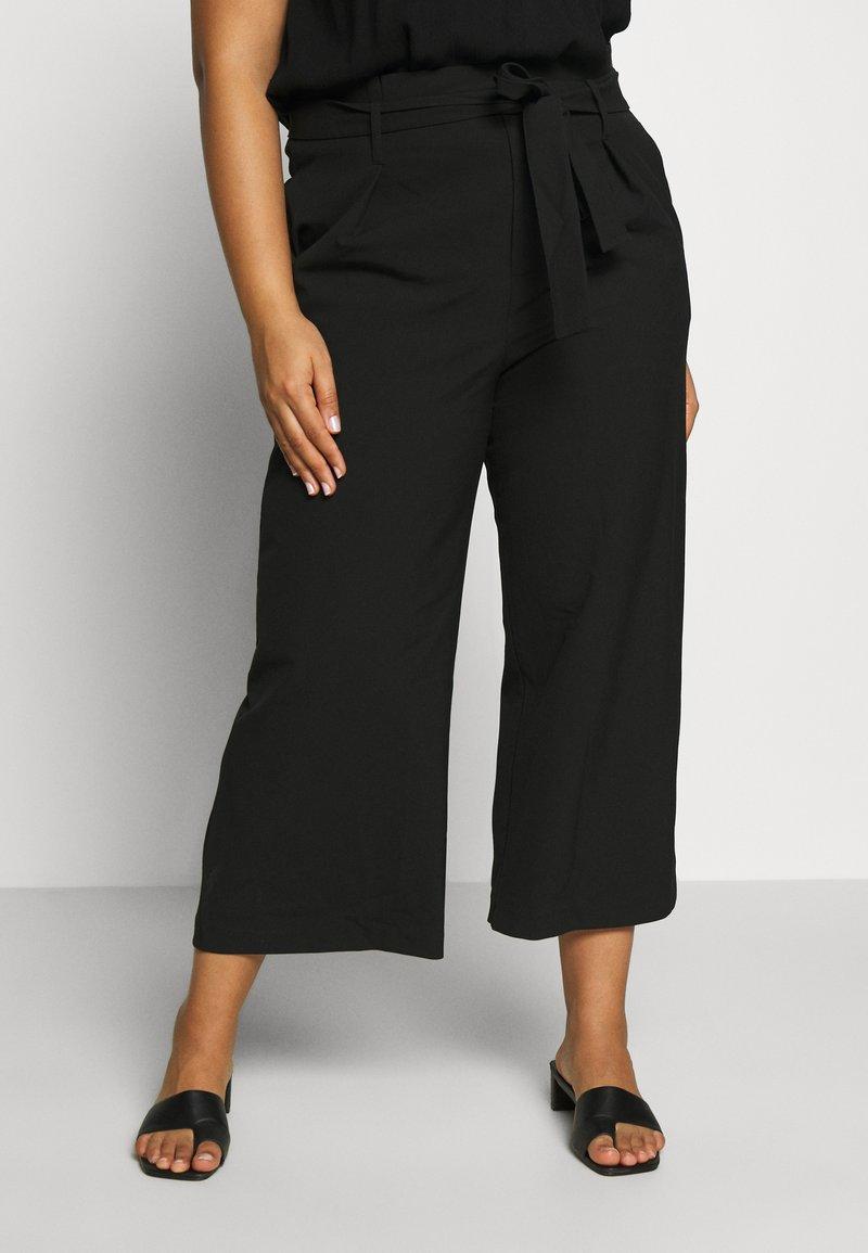 ONLY Carmakoma - CARICOLE CULOTTE WIDE PANTS - Bukse - black