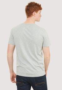 Timberland - BASIC SLIM TEE 3 PACK - Basic T-shirt - grey/white/black - 3