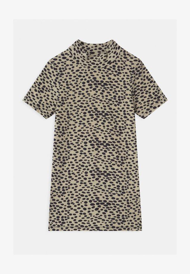 LASHI  - T-shirt print - camel