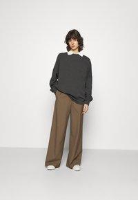 Ecoalf - BOREAL LONG WOMAN - Sweatshirt - asphalt - 1