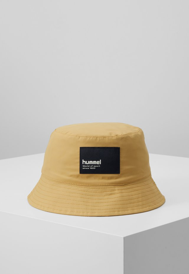 HMLBULLY HAT - Muts - prairie sand